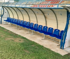 Stadio Esseneto, panchine sistemate.