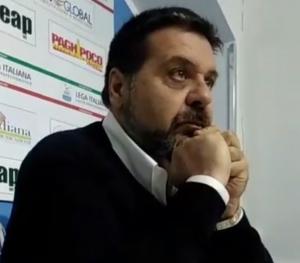 Esiste l'esonero ma Alessi chiede le dimissioni di Di Napoli.
