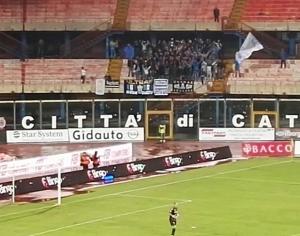 Akragas sospinta a Catania dai tifosi