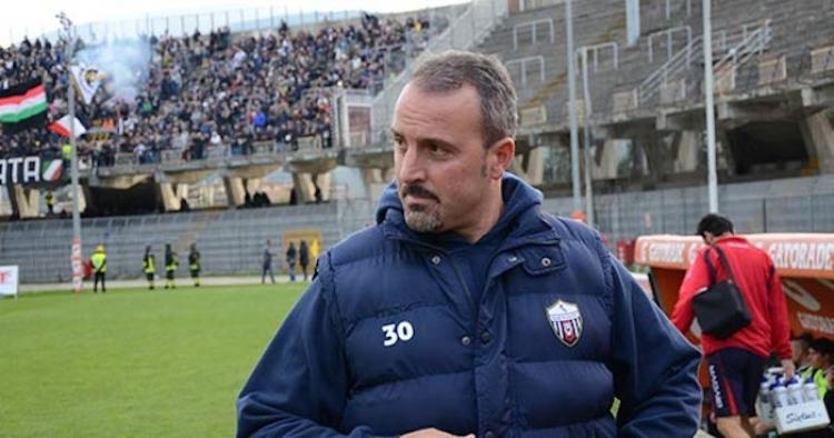 Catania, panchina affidata a Petrone